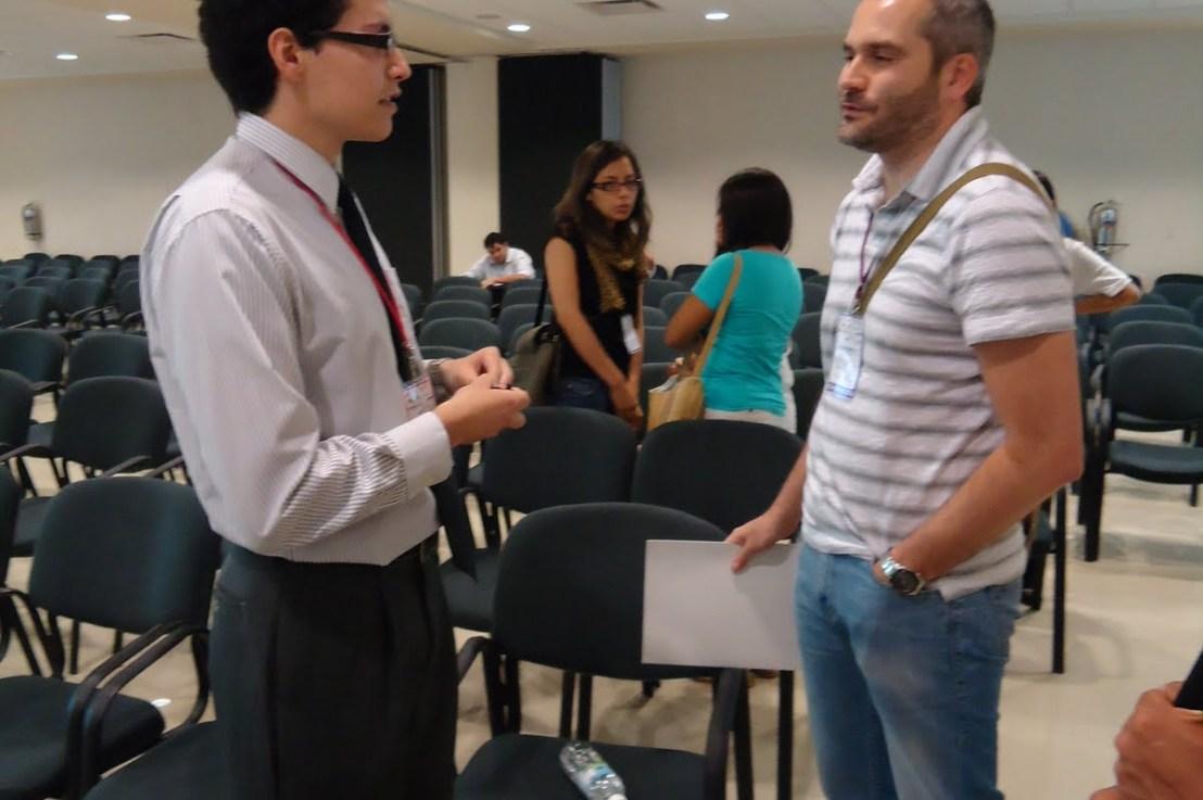 Nanonachos y el diseño de nanomateriales multifuncionales con aplicaciones biotecnológicas – Sobre la conferencia con el Dr. Jesús M. de laFuente