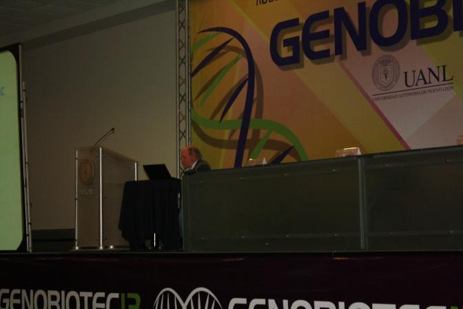 """""""Codificando la lógica genómica para el desarrollo embrionario"""" – Eric Davidson"""